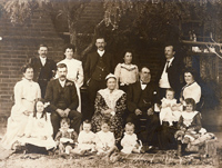 The Lyons family at 'Ellendale' about 1904
